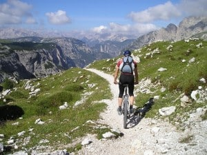 mountain-bike-175216_640
